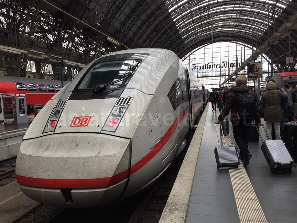 ドイツの特急列車ICE